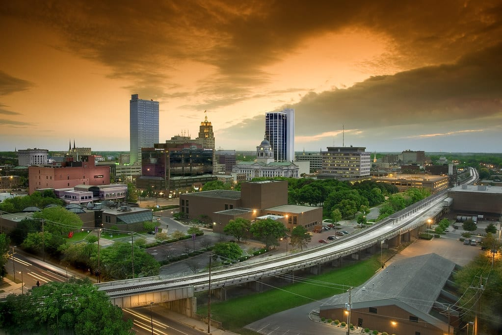 skyline picture of Fort Wayne Indiana